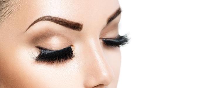 Sobrancelhas lindas e definidas: Design de sobrancelhas + aplicação de henna por R$20