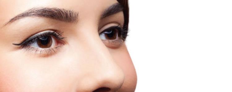 Design de sobrancelhas com henna por R$15